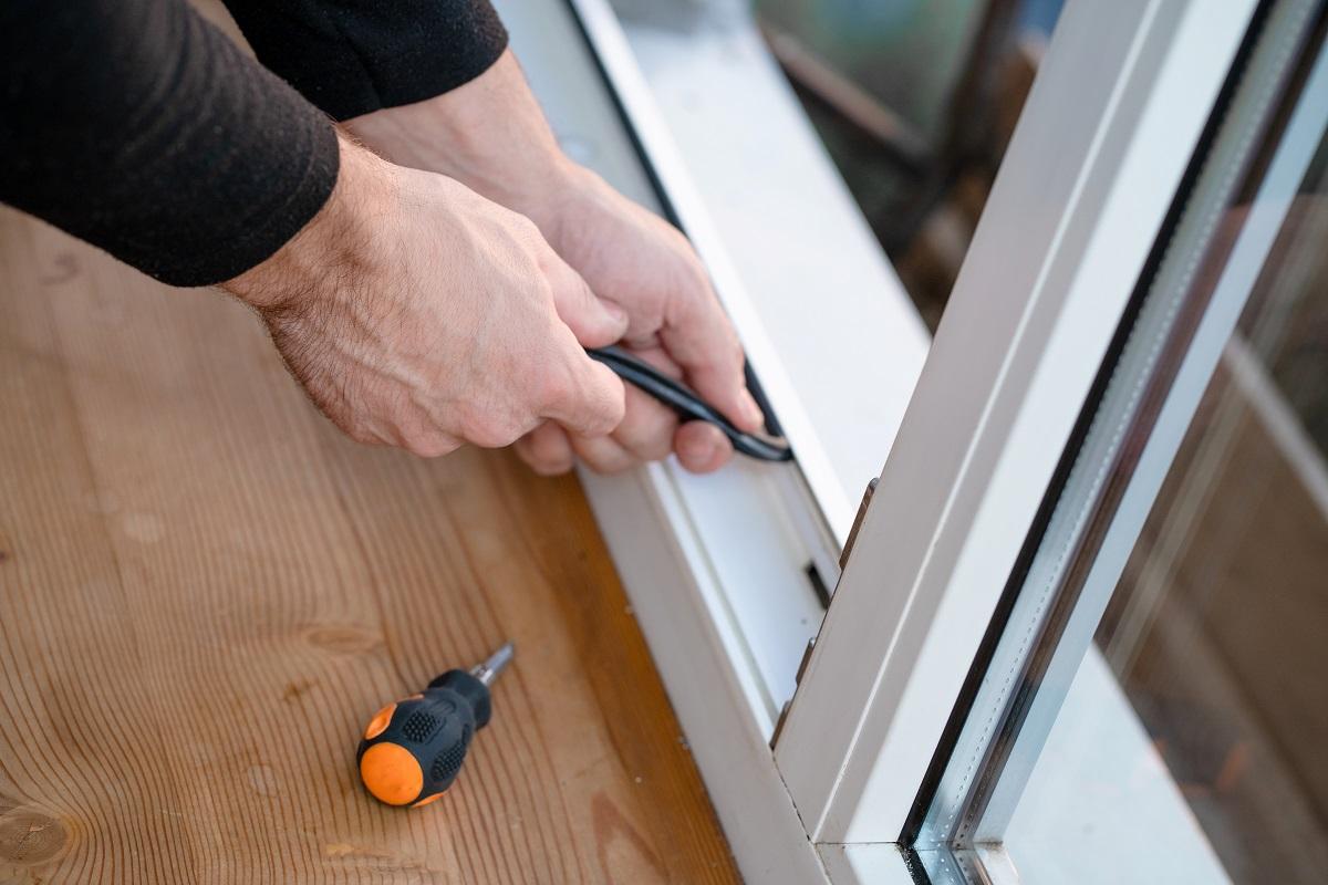 Come proteggere le finestre della tua casa